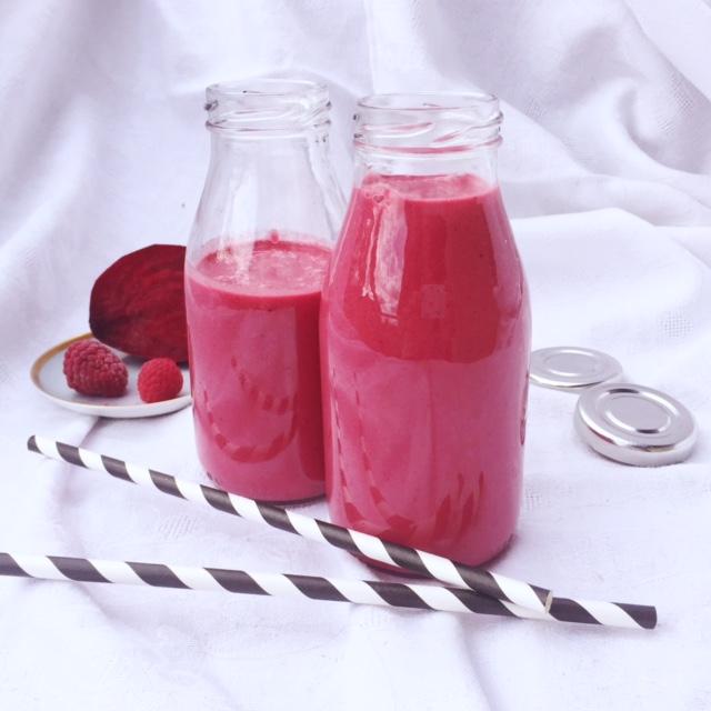 Rödbets och hallonsmoothie (mjölkfri, raw)