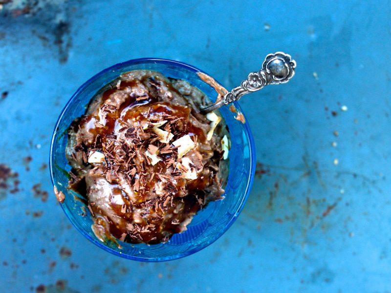 Bananglass med chokladrippel och kokoskaramellsmak
