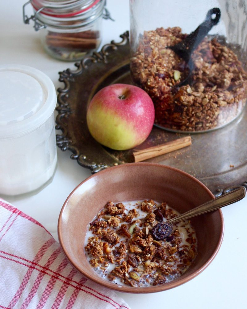Glutenfri granola med äpple och kanel