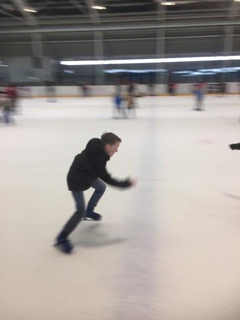 På glat is