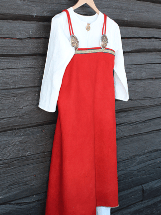Linen long shift and apron dress/suspended dress/ smokkr. Linserk og selekjole.