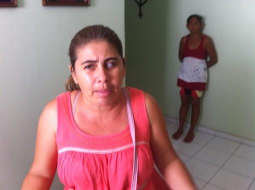 Luciene Siqueira : por ter reclamado falta de informações por imóvel no Laura Ramos na Rádio Pajeú, a deficiente visual ouviu de Joana a sugestão de que virasse