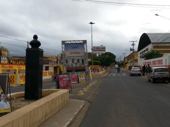 Poluição visual em Serra Talhada. Foto: Farol de Notícias
