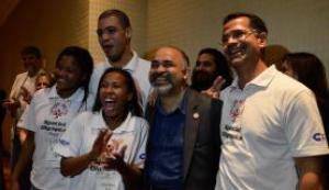 O ministro do Esporte, George Hilton, participa da cerimônia de despedida da delegação brasileira que vai à Special Olympics de Los Angeles, nos EUA