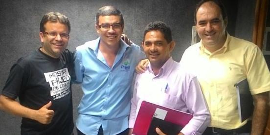 Alessandro Palmeira, este blogueiro, Ademar Oliveira e Wagner Nascimento: se preparando para maratona da Expoagro