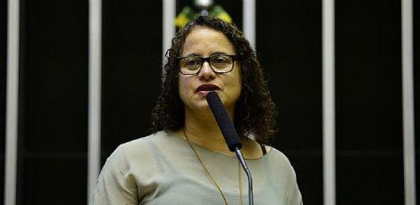 Principal nome do PCdoB para entrar na disputa, a deputada federal Luciana Santos, que foi prefeita de Olinda entre 2001 e 2008, está na presidência nacional do partido Foto: Gustavo Lima/Câmara dos Deputados