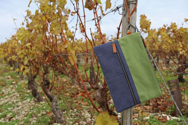 Nils & Emi pochette voyage verte made in france