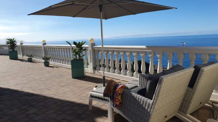 Beautiful modern villa with fantastic sea views in El Sauzal!