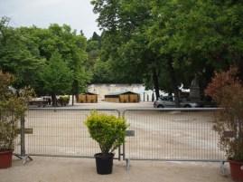Jardins de la Fontaine: horse stables