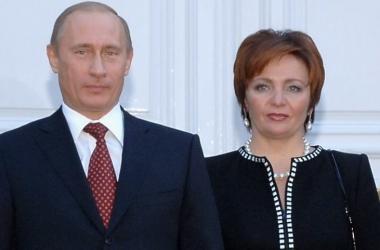Официальное заявление: Владимир Путин разводится с женой