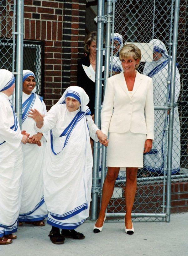 10 заповедей Матери Терезы (фото)