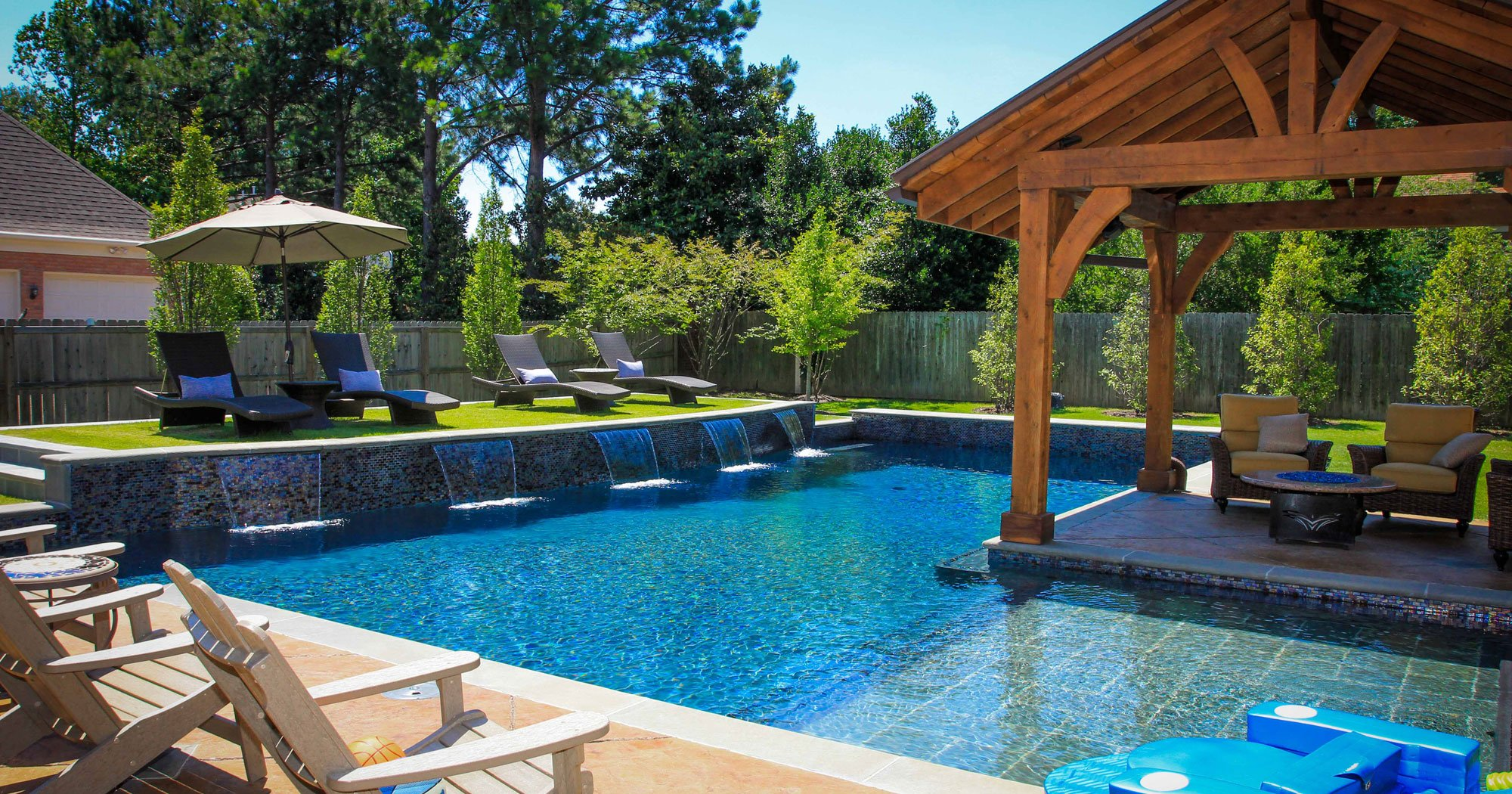20 Backyard Pool Ideas for the Wealthy Homeowner on Cute Small Backyard Ideas  id=14271