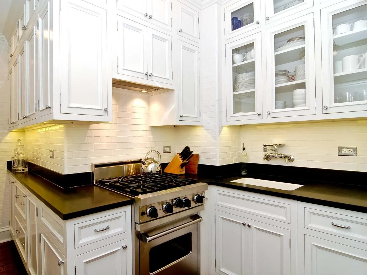 20 Kitchen Cabinets Designed For Small Spaces on Small Space Small Kitchen Ideas  id=31183