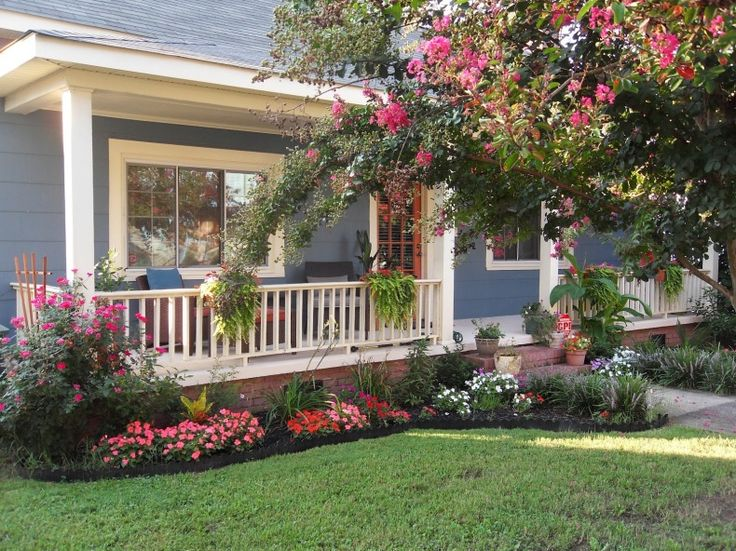 20 Simple But Effective Front Yard Landscaping Ideas on Landscape Front Yard Ideas  id=90604