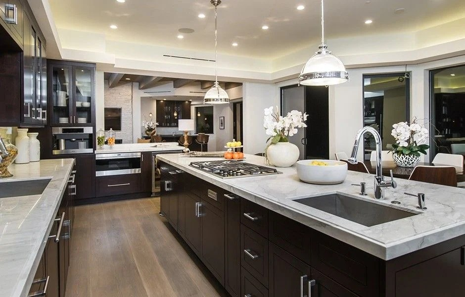 20 Unbelievable Kitchens in Mansions on Luxury Farmhouse Kitchen  id=82179