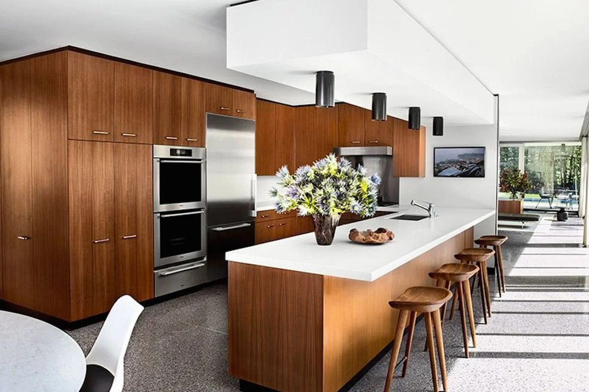 20 Beautiful Examples Of A Mid Century Modern Kitchen