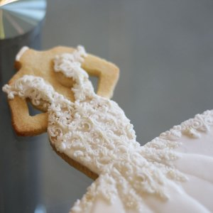 luxury-elegant-wedding-bridal-cookies-bride-full-dress-detail-nina-bakes-cakes