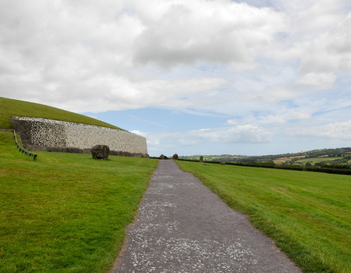 What to Expect on a Newgrange Tour from Dublin