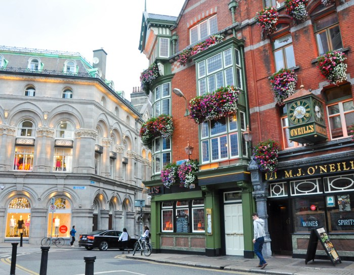 Fun for Your Inner Geek: The Best Historical and Literary Walking Tours in Dublin