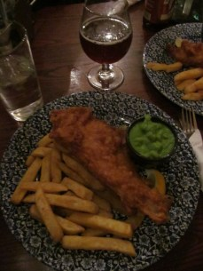 Fish & chips with mushy peas