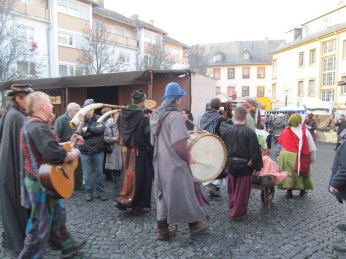 Medieval music on parade