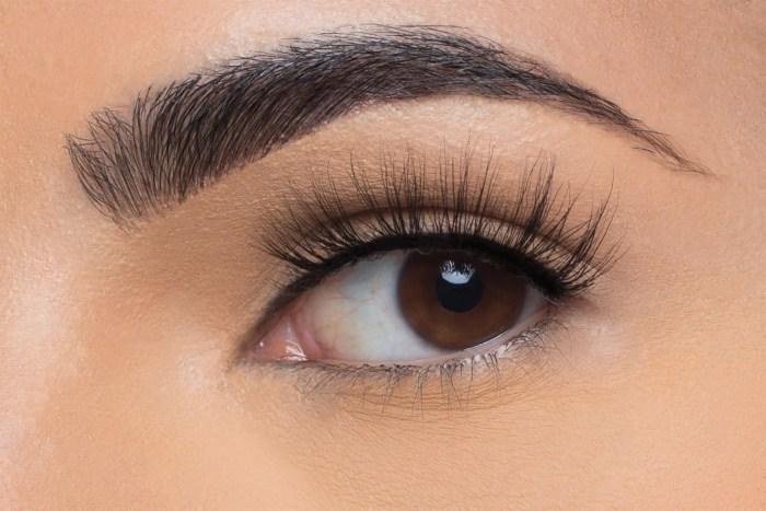 Nina Mink Lashes, close up of ladies eye wearing false eyelash