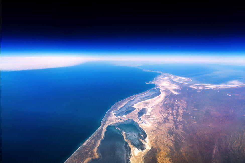_95131786_1turkmenistan-shore-kaspian-sea-desert-vanheijst_1600px