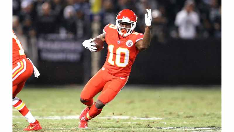 Tyreek Hill to lead the NFL in receiving yards