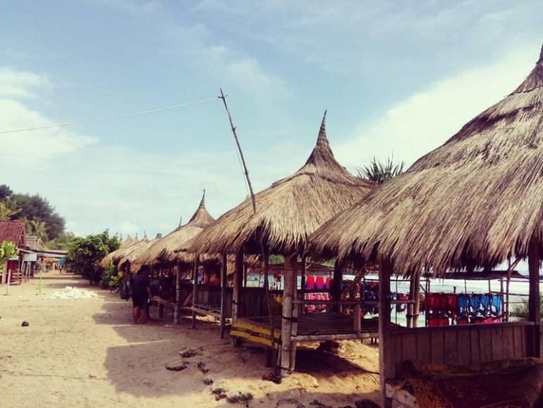 Gubug di Pantai Sadranan