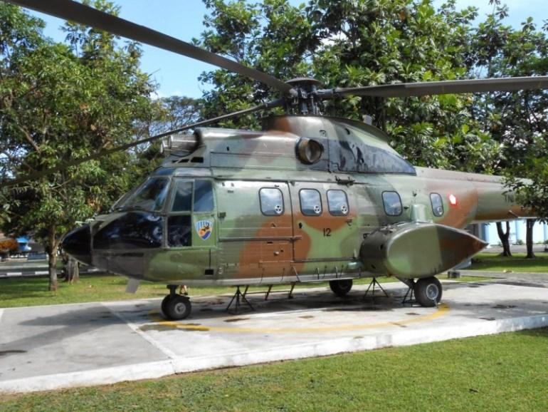 Helikopter di halaman Museum Dirgantara