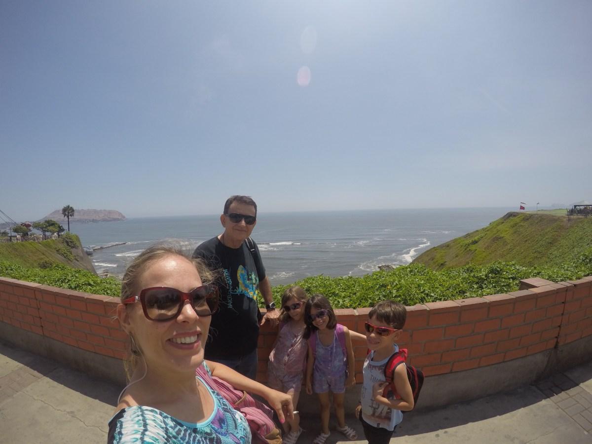 Malecon Miraflores com crianças