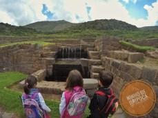 Tipon com crianças Cusco