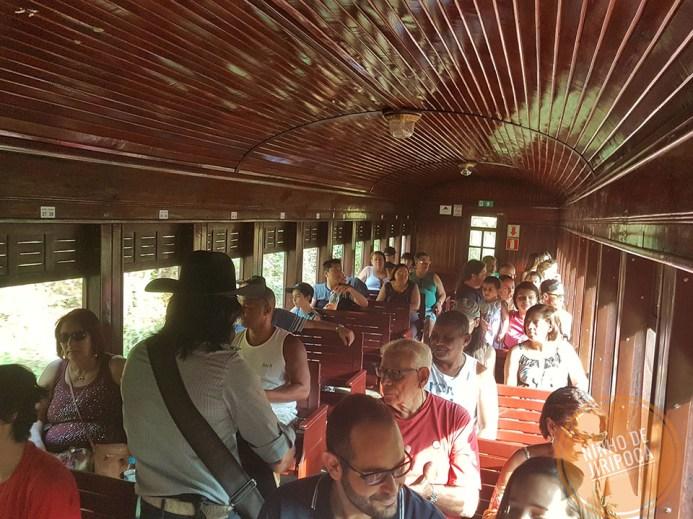 Passeio de trem em Passa Quatro com musica
