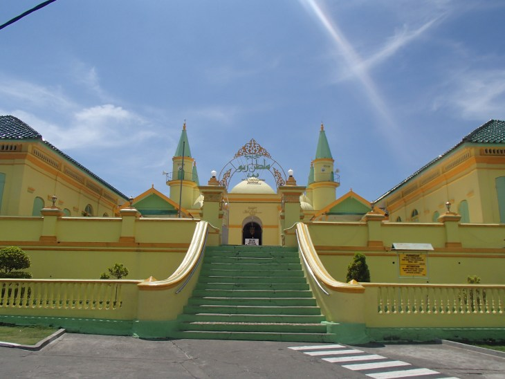 Masjid Sultan Riau di Pulau Penyenggat