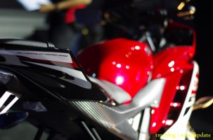 Launching_Yamaha_R1589