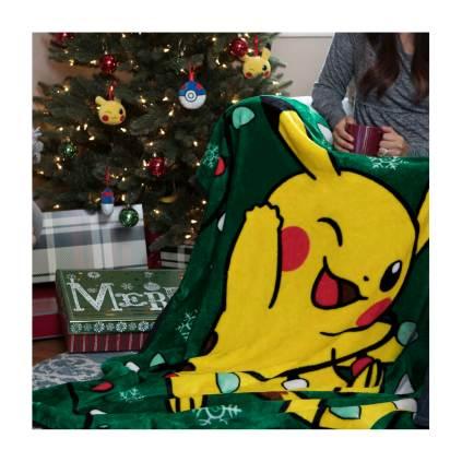 Pikachu Holiday Tangled Light Pikachu Fleece Throw - Lifestyle
