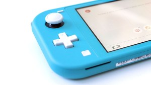 Why You Probably Shouldn't Buy the Switch Lite Just Yet