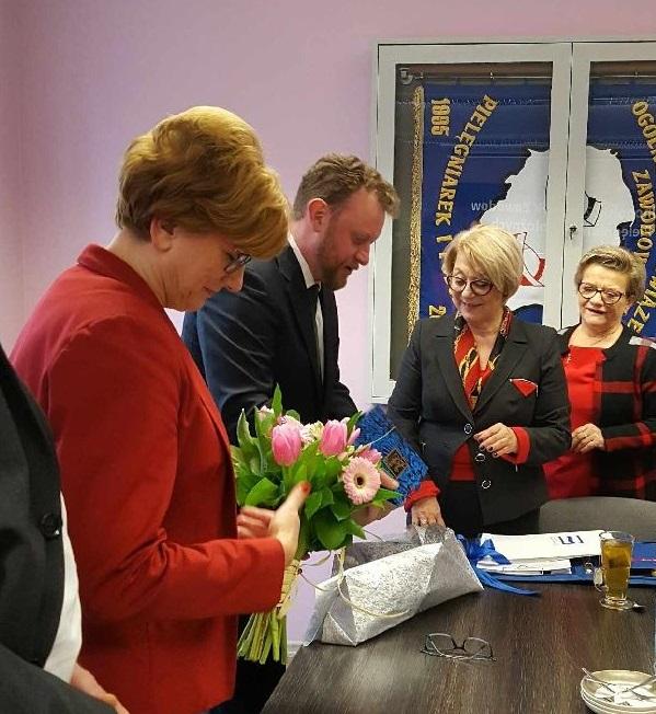 Komunikat prasowy ze spotkania przedstawicieli pielęgniarek i położnych z Ministrem Zdrowia w dniu 17.01.2018 r.