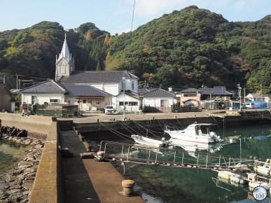 L'église de Sakitsu et le port