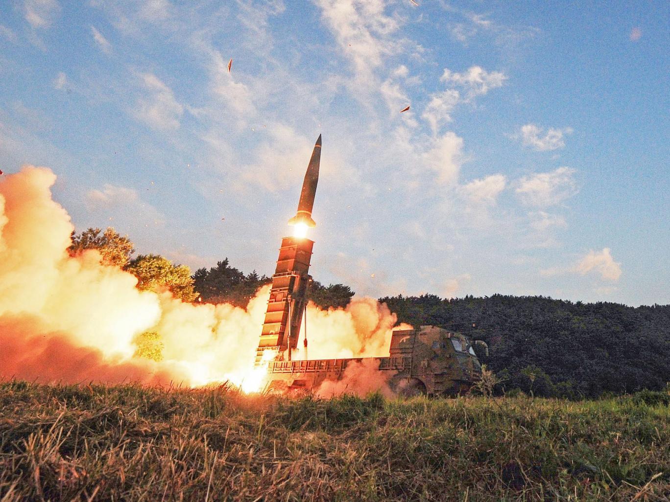 كوريا الشمالية تهدد بإغراق جزر يابانية بقنبلة نووية