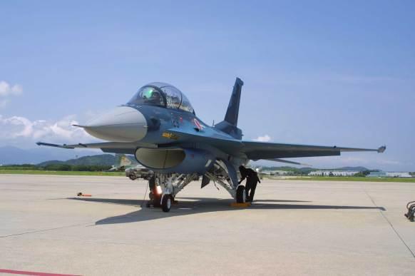 مقاتلة إف -2 اليابانية نسخة معدلة بواسطة شركة ميتسوبيشي
