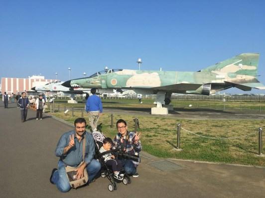 مع صديقي ناكاغاوا مقابل طائرات الفانتوم اليابانية
