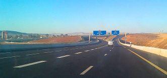 الطريق السيار شرق-غرب قرب وهران. (الجزائر)