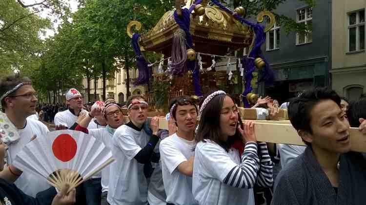 Mikoshi beim Karneval der Kulturen 2016