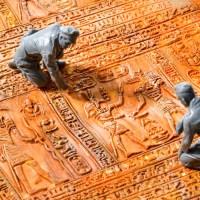 転がすだけでヒエログリフ!!「ナイルの力が宿る棒」で、あなたの模型が古代エジプト文明に染まる!?