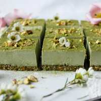Pistachio Amaranth Moringa Bars (raw, vegan, grain-free)