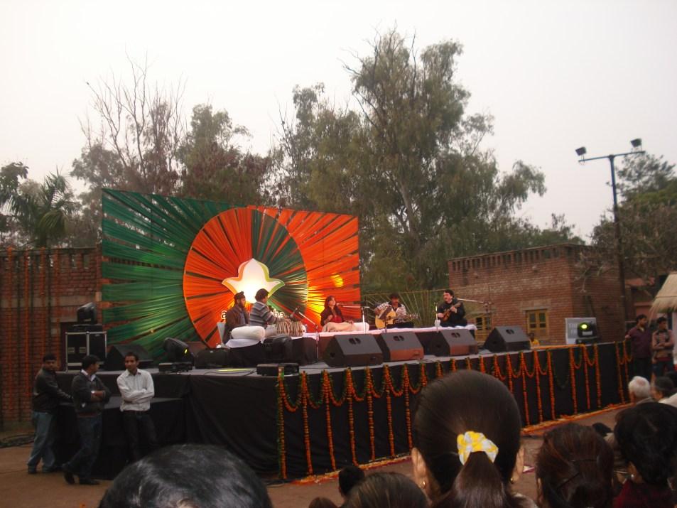 Aman ki Asha performance by Kavita Seth
