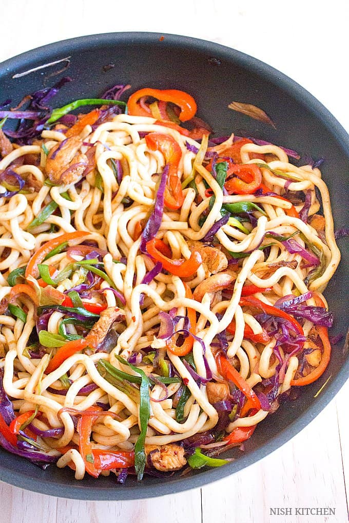 how to make spicy thai chicken noodles