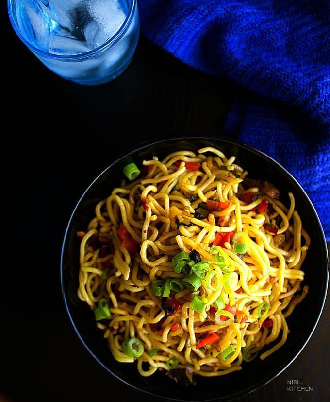 make chilli garlic noodles