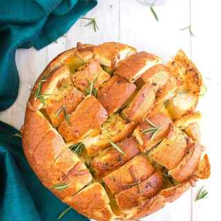 cheesy garlic pull apart bread video recipe